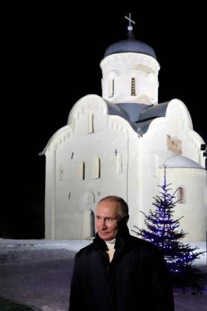 Президент назвал надежду на лучшее и ожидание чуда путеводной звездой людей.