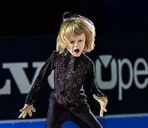 Накануне Александру Плющенко исполнилось восемь лет.