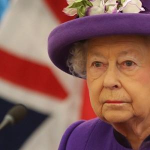 Королева Елизавета Вторая и принц Филипп привились от коронавируса