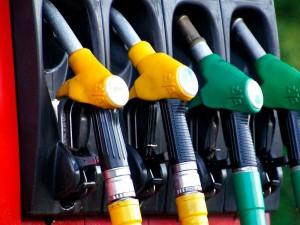 Эксперты сообщили о возможном резком росте цен на бензин в России