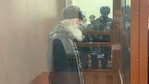 Как сообщила член ОНК Москвы Ева Меркачева, Сергий намерен голодать, пока не умрет, или пока его не освободят из СИЗО.