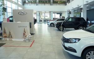 Компания Renault, контролирующая Волжский автозавод, опубликовала предварительные данные о продажах машин марки Lada.