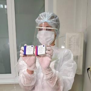 На наиболее часто задаваемые вопросы по вакцинации от COVID-19 отвечает доктор медицинских наук, профессор Илья Сиротко.