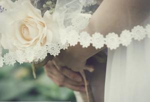 Девушка изначально приняла симптомы заболевания за признаки переутомления и стресса, связанного с подготовкой к свадьбе.