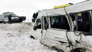 Один человек погиб, семеро пострадали в ДТП с рейсовым микроавтобусом в Самарской области