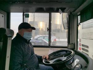 В Самаре безответственные кондукторы и водители привлекаются к ответственности за несоблюдение масочного режима на линиях.