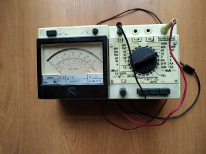 Для измерений силы, а также напряжения тока - постоянного и переменного, сопротивления постоянному току и емкости, относительного уровня передачи переменного напряжения, успешно используют комбинированный прибор Ц 4353.