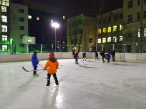 На ледовых площадках Самары работают тренеры-общественники