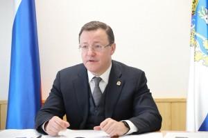 Дмитрий Азаров попросил Почетных граждан высказать мнения относительно того, чем необходимо дополнить программу мероприятий, на чем сделать акценты.