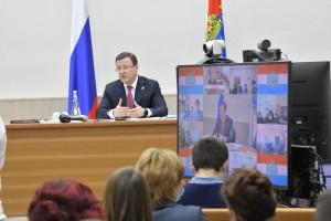 Во время рабочей поездки в Хворостянский район губернатор Дмитрий Азаров провел совещание по стратегическому развитию муниципалитета.