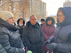 Глава Самары Елена Лапушкина посетила дом на Димитрова по обращению жителей