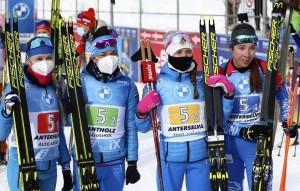 Женская сборная России одержала победу в эстафете на этапах Кубка мира впервые с января 2019 года.