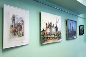 Выставка Химия в красках открылась в администрации Тольятти