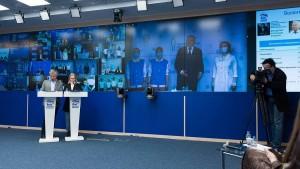 Инициативы первого форума, поддержанные Владимиром Путиным, партия реализует совместно с Правительством.