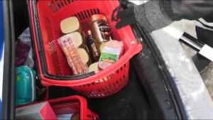 Тольяттинец похитил продукты вместе с продуктовой корзиной
