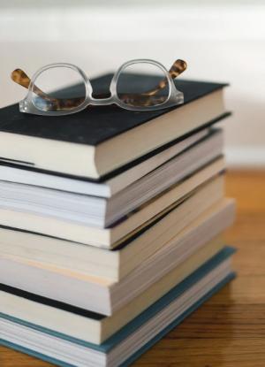 В рамках акции в библиотеках, книжных магазинах, в музеях и школах будет организован сбор книг для библиотек и детских учреждений.