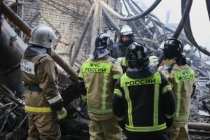 При тушении возгорания была утеряна связь с тремя пожарными, их нашли мертвыми.