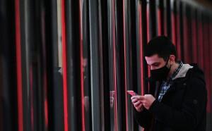 В первые дни февраля, когда соцсети обязали удалять нецензурные выражения, в постах пользователей ненормативной лексики стало больше.