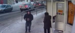 Разбойник в розовой балаклаве напал на продавца табачного киоска в Самаре