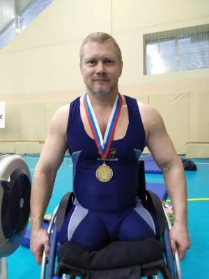 Самарской спортсменАлексей Атаманов на дистанции 2000 метров занял 1 место.