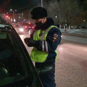 Новокуйбышевские Госавтоинспекторы изъяли у водителя поддельное удостоверение