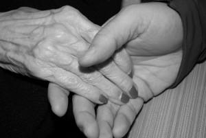 Всего в Самарской области 726 граждан пожилого возраста и инвалидов получили уход в рамках приемной семьи.