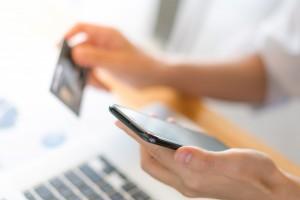 Каждый клиент, у которого есть мобильное приложение СберБанк Онлайн, может теперь моментально выпустить банковскую карту без пластикового носителя.