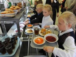За пять месяцев более 1000 родителей Самарской области приняли участие в проверках школьного питания.