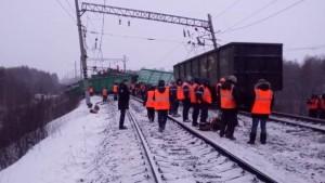 В Приамурье из-за схода с рельсов 25 вагонов задержан поезд Самара – Владивосток