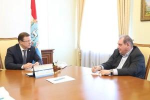 В последнее время в адрес руководства Тольятти неоднократно звучали претензии как от региональных властей, так и от жителей города.