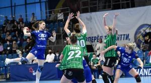 «Лада» в Тольятти обыграла польскийклуб «Люблин» из одноименного города со счетом 30:24 (17:13) и пробилась в плей-офф.