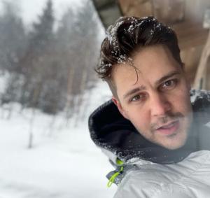 33-летний актёр родился в Белграде, окончил местный университет искусств, но уже много лет снимается в России.