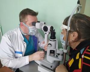 У пациенткибыло диагностировано кровоизлияние в стекловидное тело и катаракта на единственно видящем глазу.
