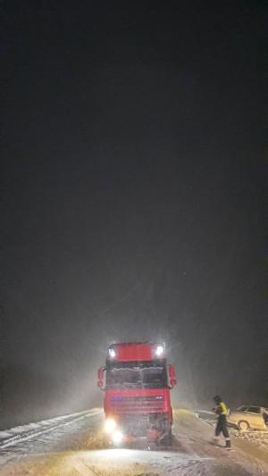 В Самарской области легковушка врезалась в грузовик