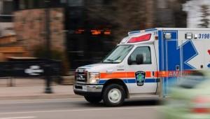 Автомобиль с 27 пассажирами столкнулся с грузовой фурой.