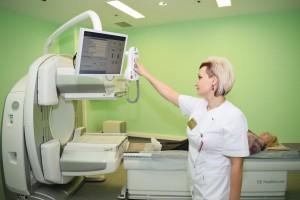 Гамма-камера оснащена цифровым детектором, который позволяет видеть молекулярную структуру изучаемого органа.