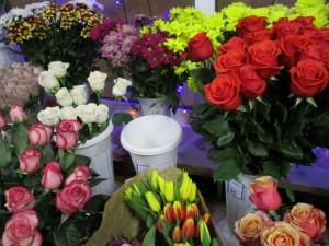 В Тольятти сотрудники патрульно-постовой службы полиции задержали грабителя с букетом роз