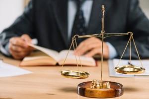 Успешный бизнес, а может быть, семейные споры или другие взаимоотношения - все он невозможны без высококвалифицированных юридических услуг.