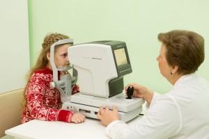 Полученное по нацпроекту офтальмологическое оборудованиепозволяет выявить заболевания глаз у детей на ранней стадии.