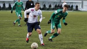 Иван Сергеев, забивший в матче дубль, с 25 голами уверенно лидирует в гонке бомбардиров ФНЛ.