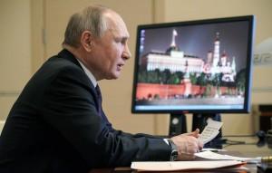 """Президент на совещании с представителями бизнеса заявил, что у властей нет планов """"прижимать"""" предпринимателей нерыночными методами."""