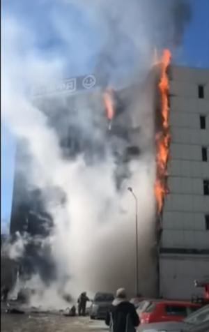 Крупный пожар в Самаре: горит ТЦ Скала