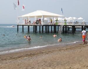 Туристы на пляжах Болгарии будут обязаны соблюдать дистанцию