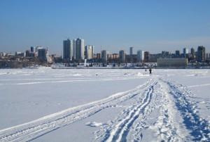 Самарцев просят не выходить на лед водоемов