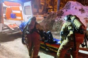 Были спасены две человека. Для ликвидации пожара привлекались 29 человек личного состава и 9 единиц техники.