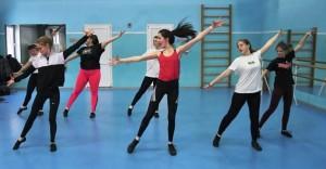 Это общероссийский фестиваль гимнастических видов спорта и различных танцевальных направлений, организованный Международной академией спорта Ирины Винер.