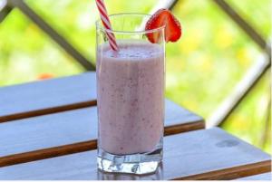 Повышенное артериальное давление можно снизить, употребляя в пищу йогурты и другие кисломолочные продукты.
