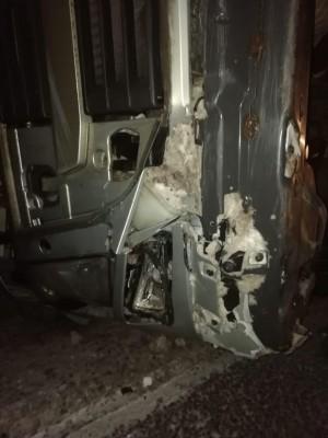 В Сызранском районе грузовик с полуприцепом перевернулся в кювет