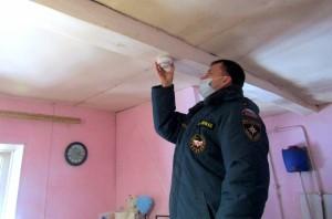 Пожарный извещатель – это специальный датчик, который в случае возникновения задымления предупредит об опасности мощным звуковым сигналом.
