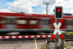 Более140 млн рублейнаправлено на повышение безопасности железнодорожных переездов Куйбышевской магистрали.